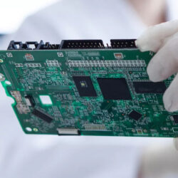 HQTS interviews Ecodesk CEO Damien Smith about The impact of the Right to Repair initiative on the Electronics Supply Chain
